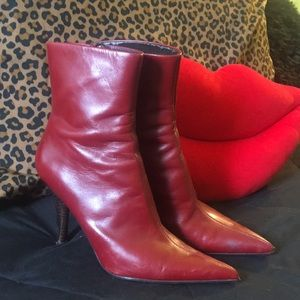 Hot red boots !